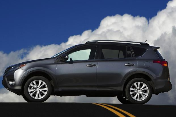 2014 Nissan Rogue vs. 2014 Toyota RAV4: Which Is Better? featured image large thumb0