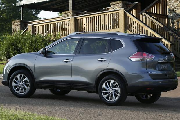 2014 Nissan Rogue vs. 2014 Toyota RAV4: Which Is Better? featured image large thumb1