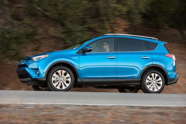 2016 Toyota RAV4 Hybrid: New Car Review featured image large thumb3
