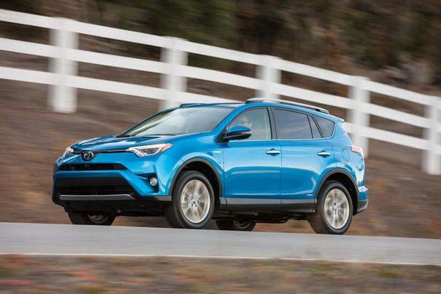 2016 Toyota RAV4 Hybrid: First Drive Review featured image large thumb7