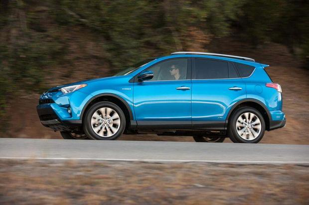 2016 Toyota RAV4 Hybrid: First Drive Review featured image large thumb8