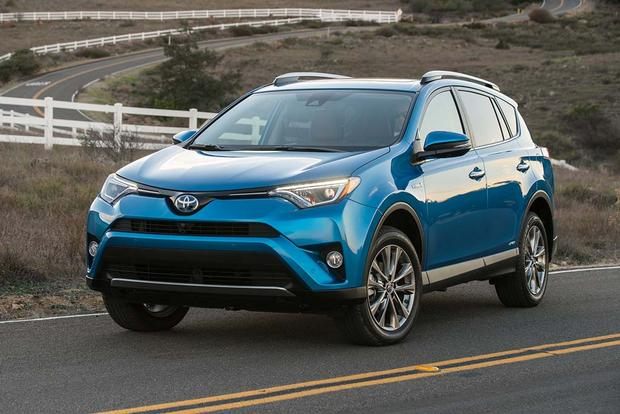 2017 toyota rav4 hybrid new car review autotrader. Black Bedroom Furniture Sets. Home Design Ideas