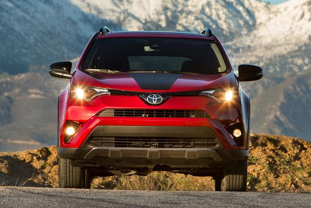 2018 Toyota RAV4: New Car Review featured image large thumb5