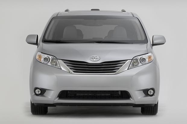 2011 Toyota Sienna: Used Car Review featured image large thumb0