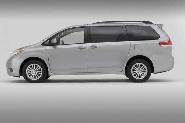 2011 Toyota Sienna: Used Car Review featured image large thumb2