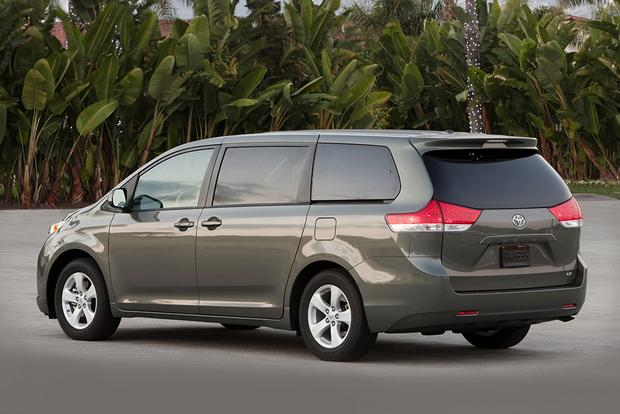 2011 Toyota Sienna: Used Car Review featured image large thumb5