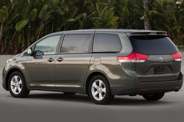 2012 Toyota Sienna: Used Car Review featured image large thumb0