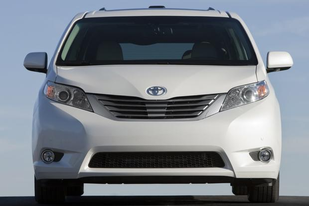 2013 Toyota Sienna: New Car Review featured image large thumb7