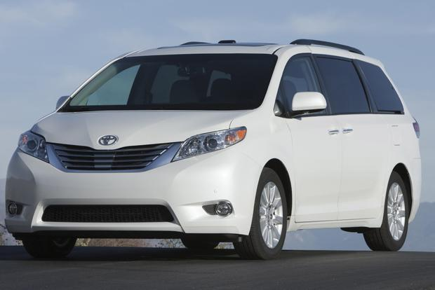 2013 Toyota Sienna: New Car Review featured image large thumb8
