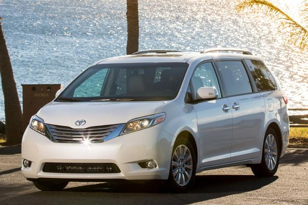 2015 toyota sienna first drive review autotrader. Black Bedroom Furniture Sets. Home Design Ideas