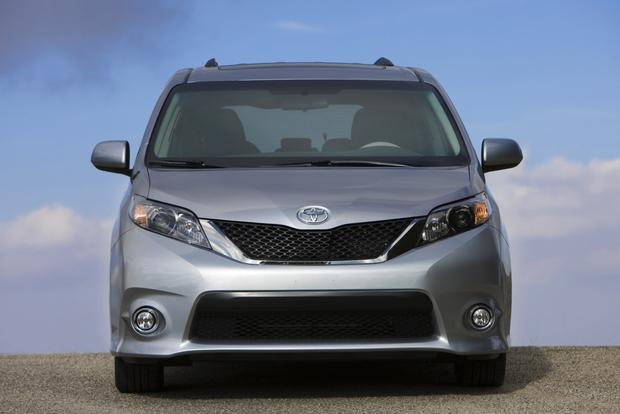 2014 Toyota Sienna: New Car Review featured image large thumb0