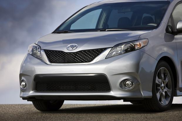 2014 Toyota Sienna: New Car Review featured image large thumb1