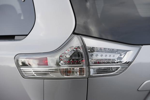 2014 Toyota Sienna: New Car Review featured image large thumb2