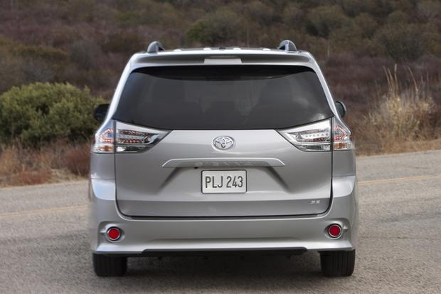 2014 Toyota Sienna: New Car Review featured image large thumb3