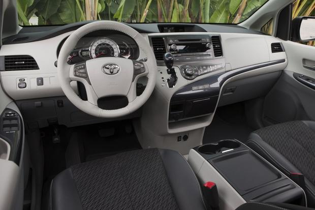 2014 Toyota Sienna: New Car Review featured image large thumb4