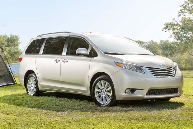 2017 Toyota Sienna: New Car Review featured image large thumb0