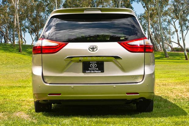 2017 Toyota Sienna: New Car Review featured image large thumb6