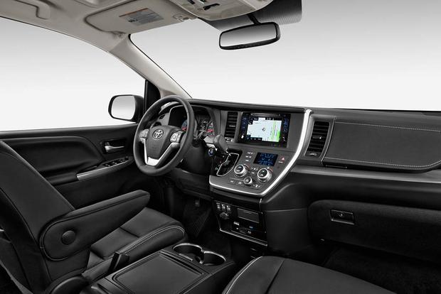 2017 Toyota Sienna: New Car Review featured image large thumb8