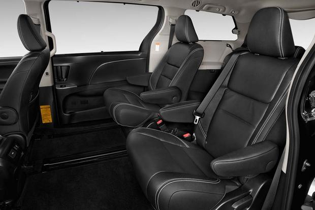 2017 Toyota Sienna: New Car Review featured image large thumb7