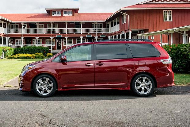2017 Toyota Sienna: New Car Review featured image large thumb2