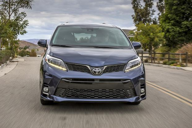 2018 Toyota Sienna: New Car Review featured image large thumb2