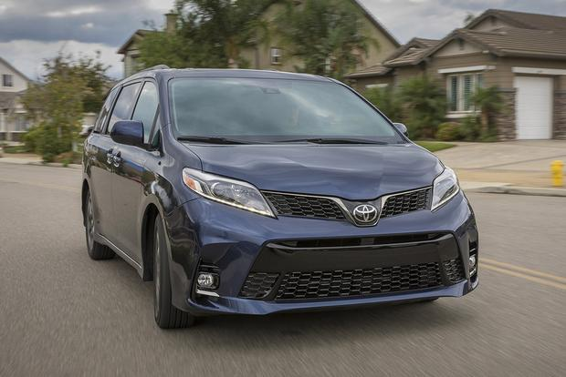 2018 Toyota Sienna: New Car Review featured image large thumb3