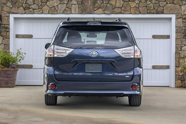 2018 Toyota Sienna: New Car Review featured image large thumb5