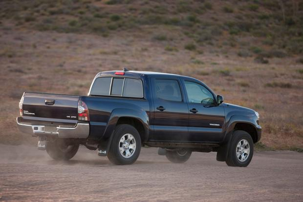2015 vs. 2016 Toyota Tacoma: What's the Difference? featured image large thumb3