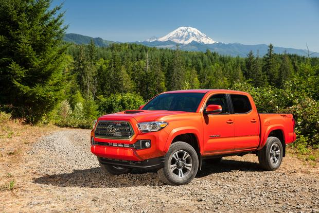 2015 vs. 2016 Toyota Tacoma: What's the Difference? featured image large thumb8