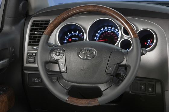 2012 Toyota Tundra: OEM Image Gallery featured image large thumb18