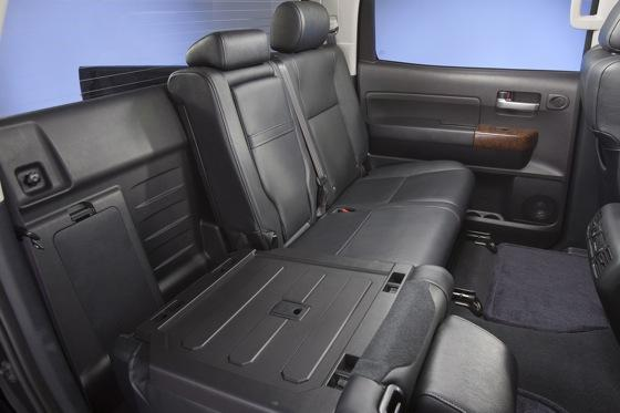 2012 Toyota Tundra: OEM Image Gallery featured image large thumb25
