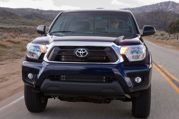 2014 toyota tundra vs toyota tacoma whats the difference. Black Bedroom Furniture Sets. Home Design Ideas