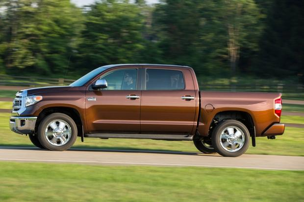 2015 Toyota Tundra Vs 2015 Toyota Tacoma What S The Difference