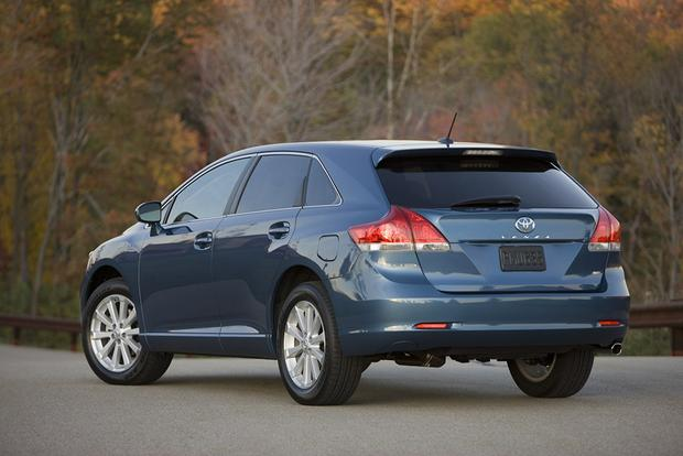2009 Toyota Venza: Used Car Review featured image large thumb2