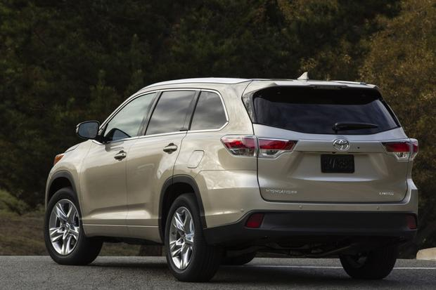 2015 Toyota Venza vs. 2015 Toyota Highlander: What's the Difference? featured image large thumb1