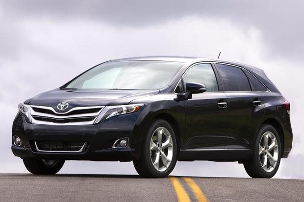 2015 Toyota Venza vs. 2015 Toyota Highlander: What's the Difference? featured image large thumb4