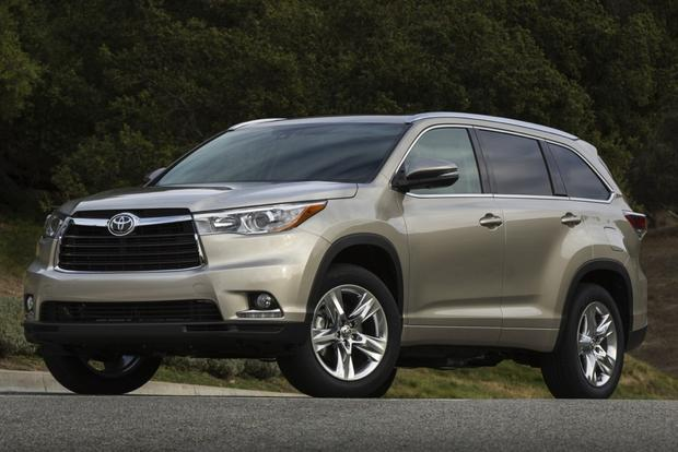 2015 Toyota Venza vs. 2015 Toyota Highlander: What's the Difference? featured image large thumb5