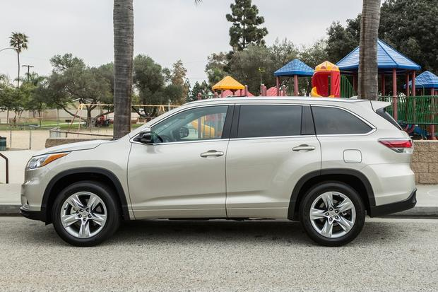 2015 Toyota Venza vs. 2015 Toyota Highlander: What's the Difference? featured image large thumb7