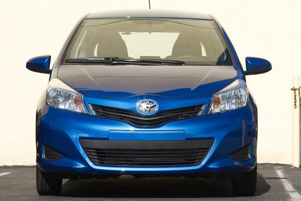 2013 toyota yaris new car review autotrader. Black Bedroom Furniture Sets. Home Design Ideas