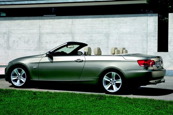 BMW Series Convertible Used Car Review Autotrader - Bmw 3 series hardtop convertible price