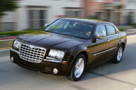 2005 2010 chrysler 300 used car review autotrader. Black Bedroom Furniture Sets. Home Design Ideas