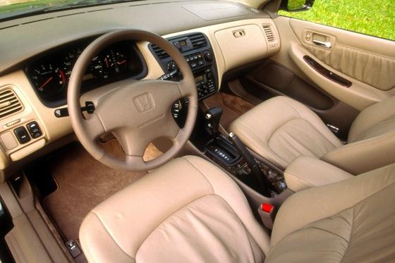 1998-2002 Honda Accord Sedan - Used Car Review featured image large thumb1