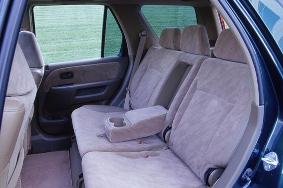 2002-2006 Honda CR-V: Used Car Review featured image large thumb6