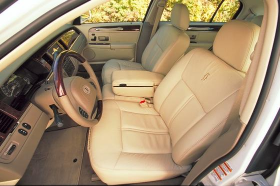2003 2011 lincoln town car used car review   autotrader
