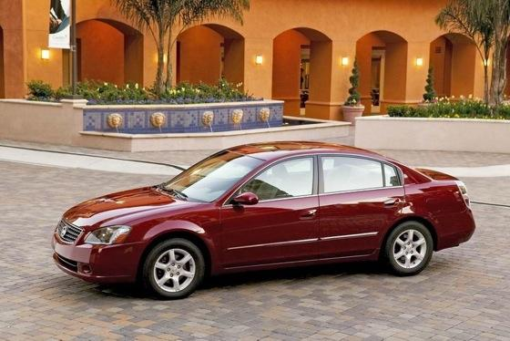 2002-2006 Nissan Altima - Used Car Review featured image large thumb2
