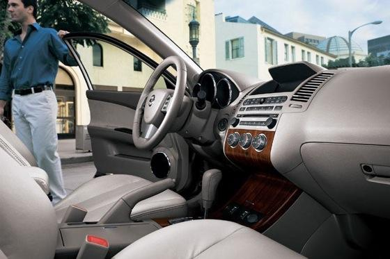 2002-2006 Nissan Altima - Used Car Review featured image large thumb10