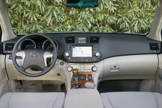 2008-2011 Toyota Highlander: Used Car Review featured image large thumb2