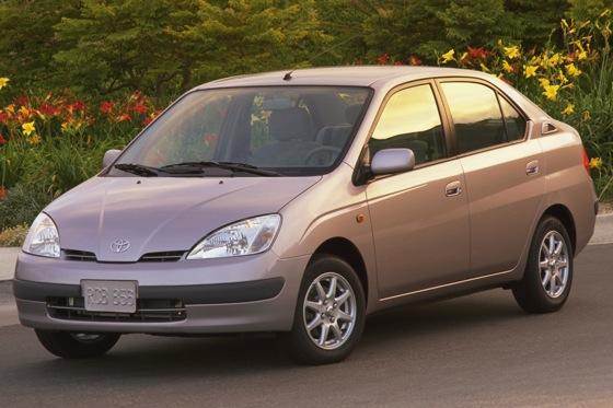 2001-2003 Toyota Prius - Used Car Review featured image large thumb4