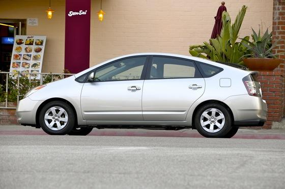 2004-2009 Toyota Prius: Used Car Review featured image large thumb1