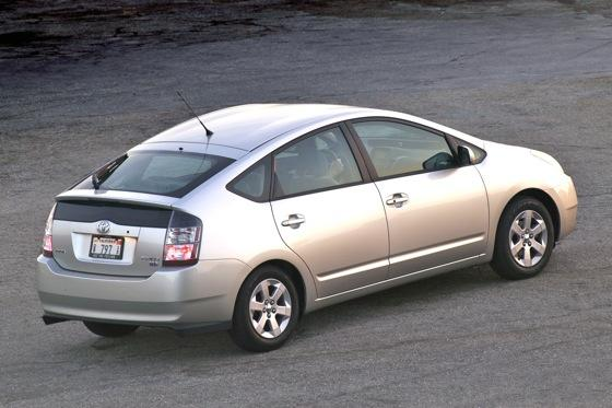 2004-2009 Toyota Prius: Used Car Review featured image large thumb3